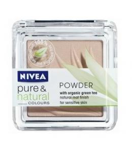Nivea Pure & Natural Powder jemný matující pudr se zeleným čajem 7g