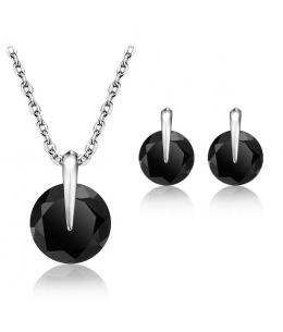 Elegantní set šperků Black Zirconia - přívěsek s řetízkem a náušnice se zirkony