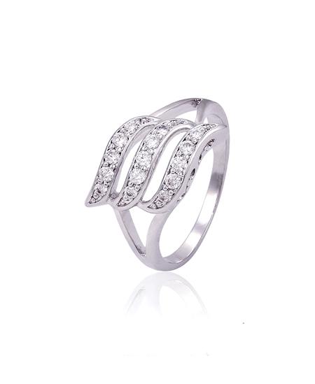 Rhodiovaný prsten Triple Row ve tvaru trojité vlnky se zirkony