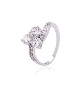 Rhodiovaný prsten Triple Stones se zirkony