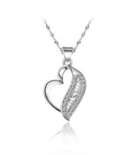 Stříbrný přívěsek Love Heart ve tvaru srdce se zirkony z pravého stříbra (925/1000)