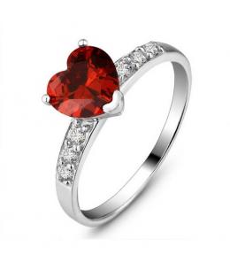 Luxusní stříbrný prsten ve tvaru srdce se zirkony z pravého stříbra (925/1000)