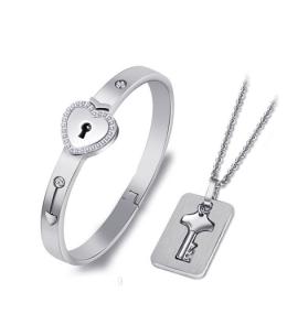 Ocelová sada se zirkony - řetízek, přívěsek a náramek ve tvaru srdce uzavíratelný na klíč